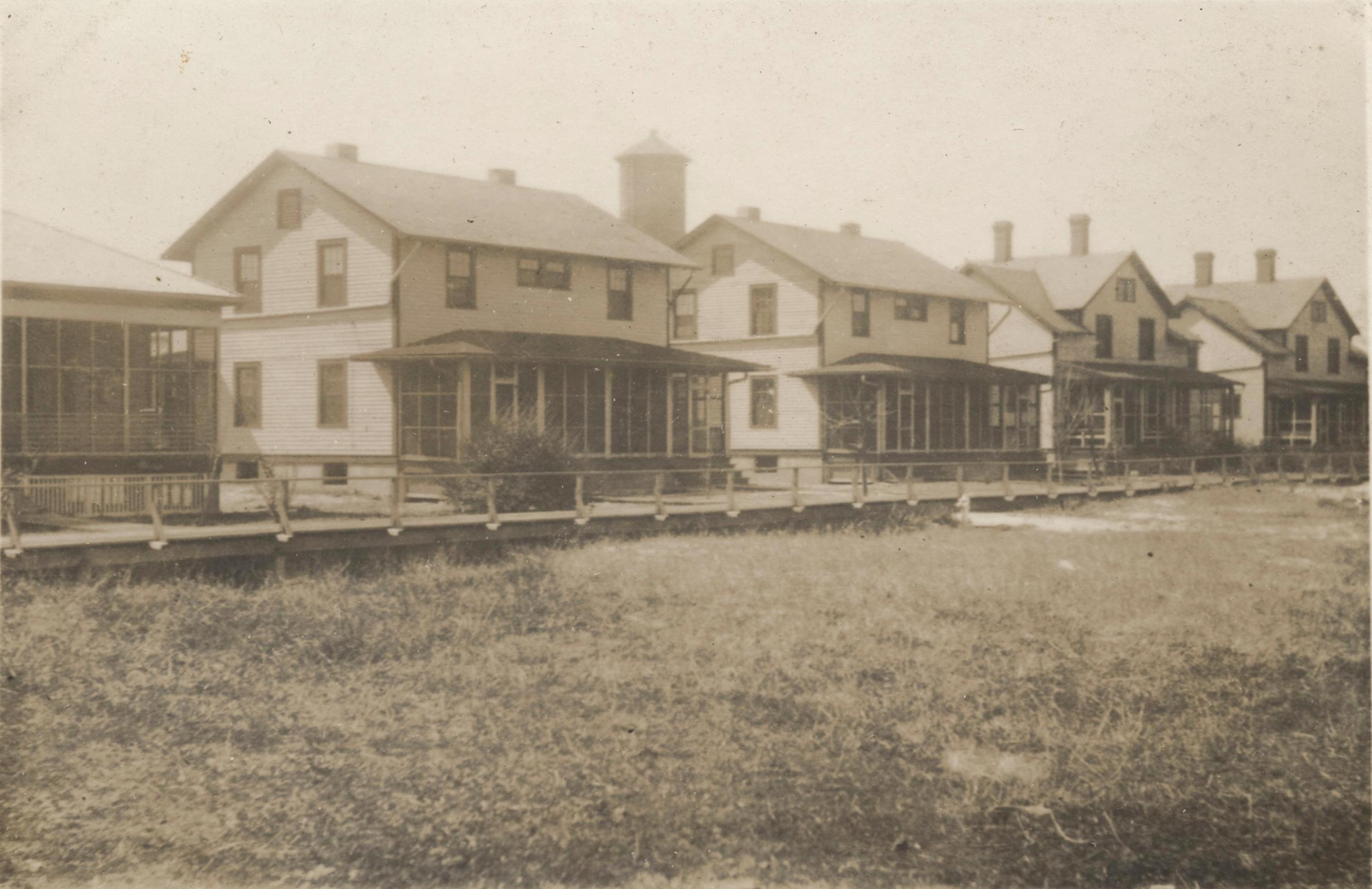 1918-1919  NON COMM. OFFICERS ROW